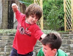 Ребенка обижают в школе. Как научить защищаться