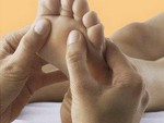 Как делать массаж ног девушке