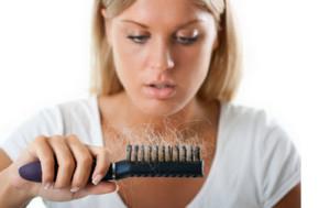 Почему резко выпадают волосы